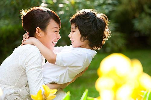 母子互恋影响男孩心里发育