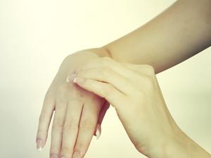 肘关节脱位的分型及检查方法