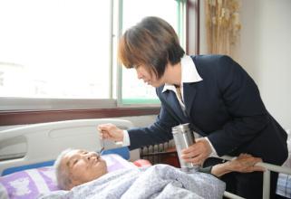 照顾长期卧床病人的注意事项