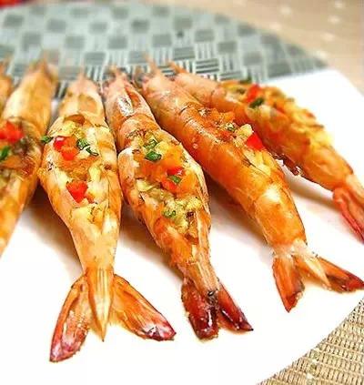 高大上的蒜蓉乳酪焗大虾