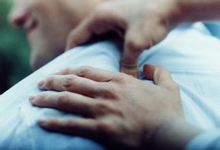 肩膀痛不止是颈椎病的先兆