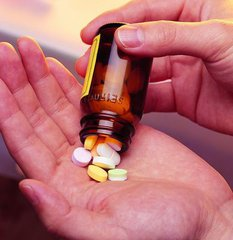 怎样预防减服激素类药物后的不良反应